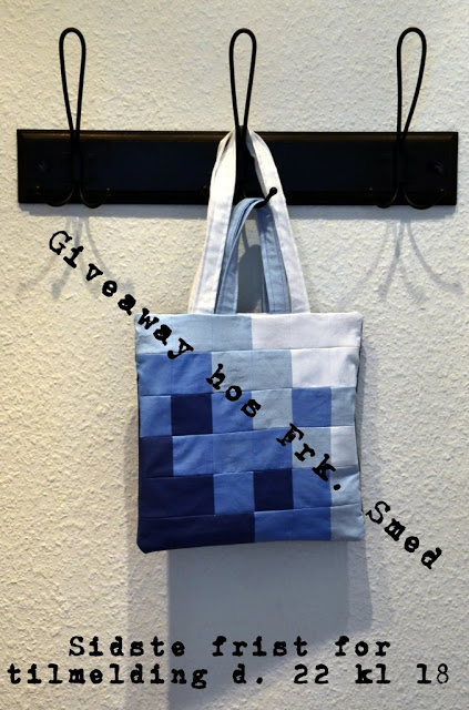 Giveaway Pixellated Blues Blå Totebag