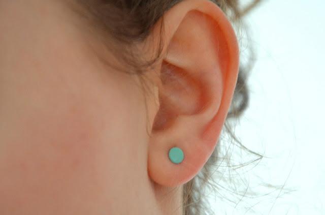 DIY Øreringe med neglelak.